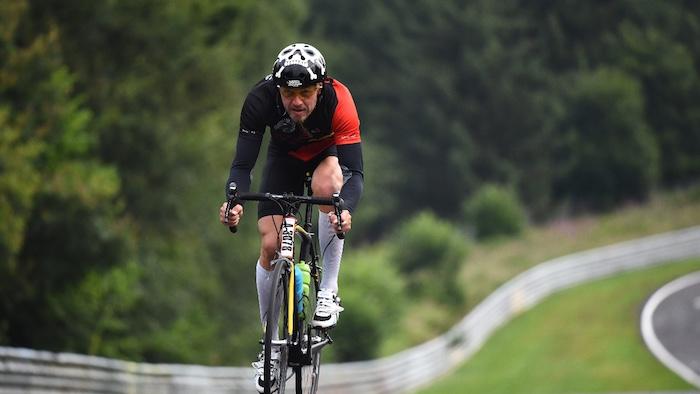 Are-Road-Bikes-Harder-To-Ride-Than-Mountain-Bikes-2